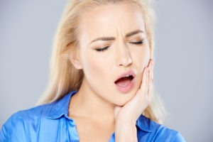 Jaw pain while yawning or chewing